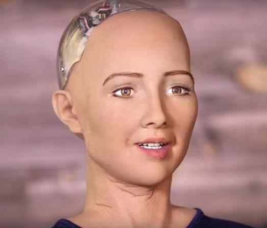 从小型机器人到索菲亚,科技创新助力机器人首次取得国籍光环!