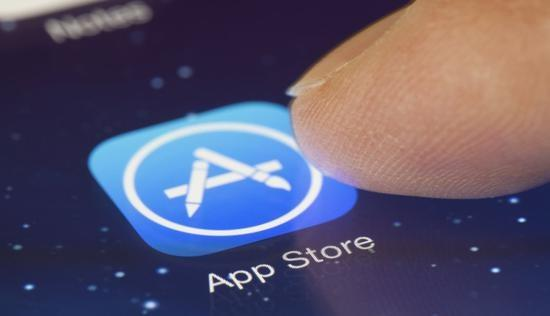 """多款iPhone降价450元刺激销量,网友:先把""""创新""""搞起来"""