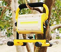 专利-一种减振装置及具有该减振装置的移动照明系统
