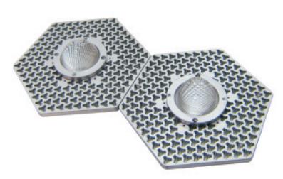 实用新型双波纹三角通孔列阵磊层LED散热器